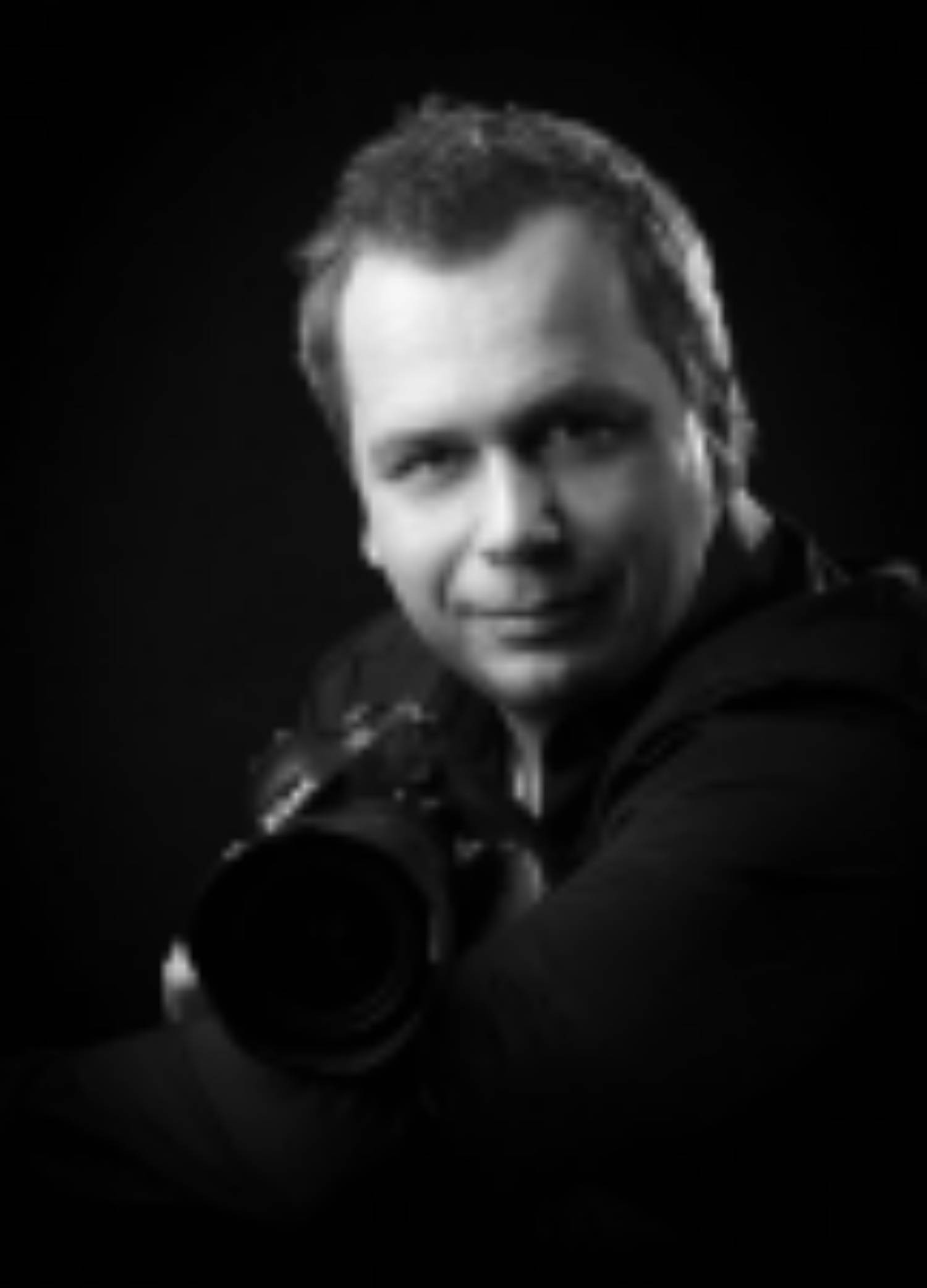 Lidi, emoce a vztahy na fotografiích Daniela Šeinera